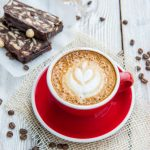 Bake a Coffee, locul unde te poți bucura de o cafea de specialitate alături de un dulce homemade