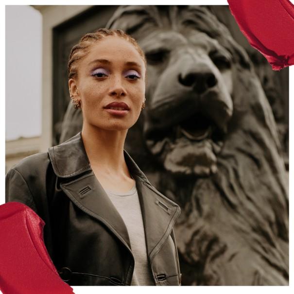 Adwoa Aboah este noua activistă a brandului Rimmel London