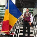 """Cântărețul aromân Stelian Arău a cântat la """"Festivalul Romania Day on Broadway"""" din NY în fața unui public de peste 25.000 de spectatori"""