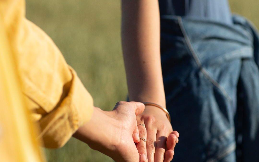 NIVEA lansează campania globală #CareForHumanTouch