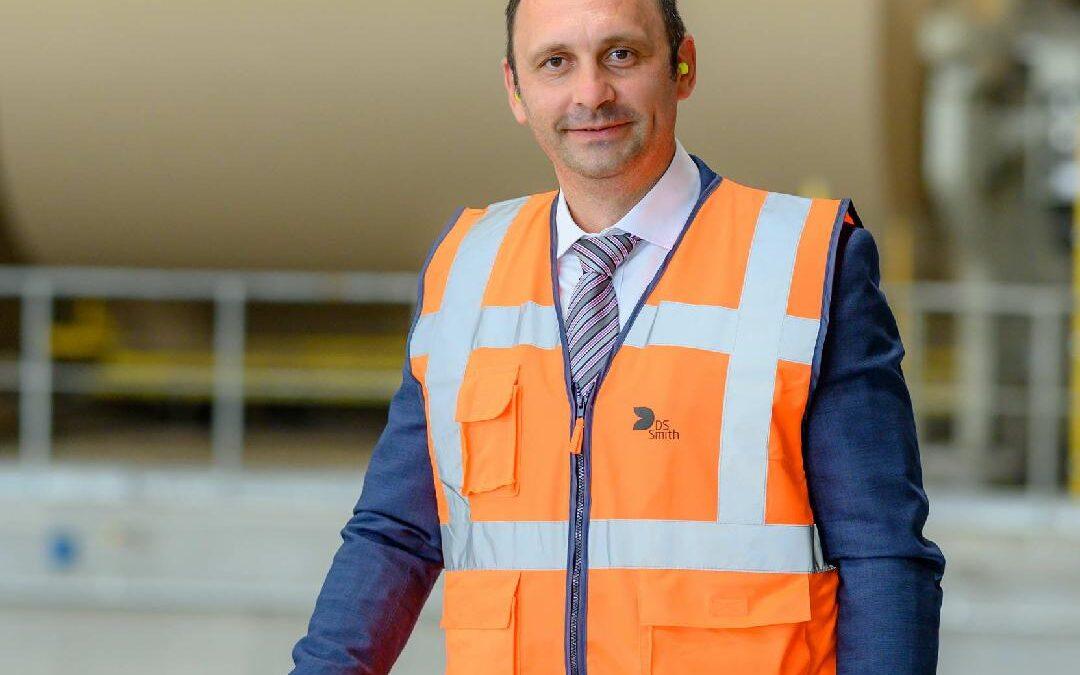 DS Smith îl numește pe Marius Juncanariu în funcția de Director General al fabricii de hârtie pentru ambalaje din Zărnești