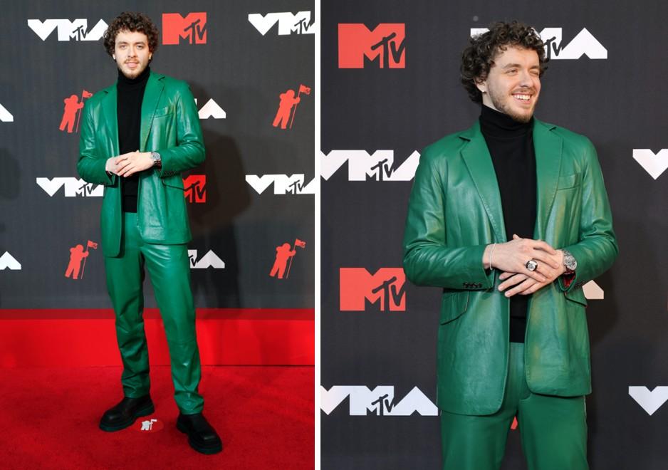 Jack Harlow a purtat TOMMY HILFIGER la 2021 MTV VIDEO MUSIC AWARDS