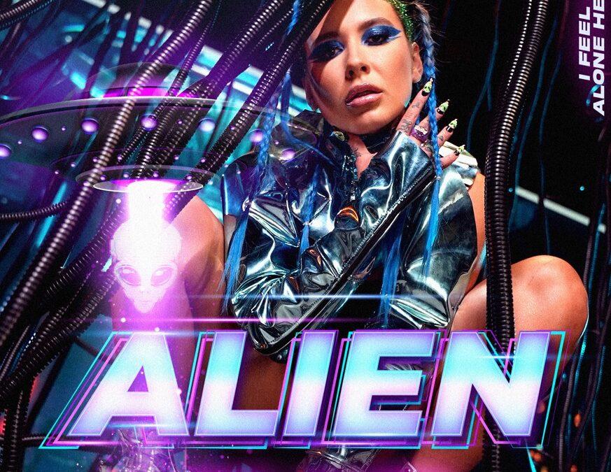 """Emy Alupei vine cu un sound fresh și lansează """"Alien"""", prima sa piesă în limba engleză"""