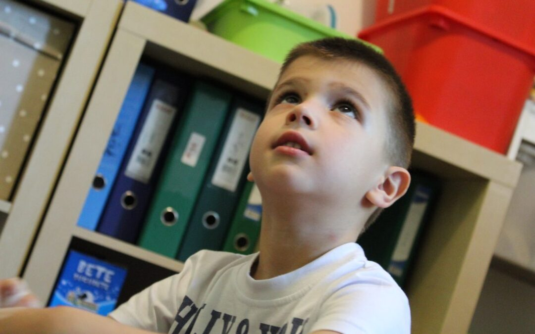 Știi, copilul meu are autism.  10 moduri de a ajuta părinții copiilor cu autism