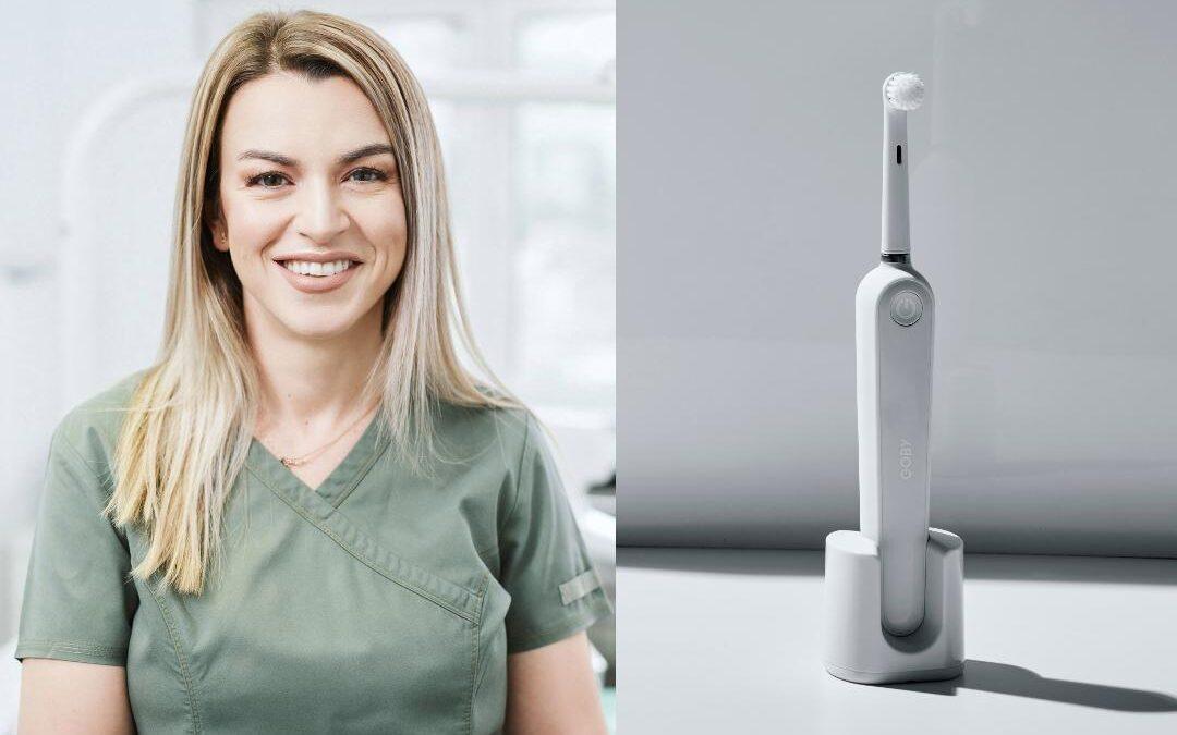 Vrei să treci la periuță de dinți electrică? Un medic stomatolog îți spune la ce să fii atent!